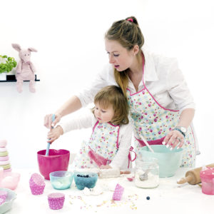bambino_barnförkläde_toddler_apron_pink